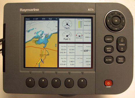 Raymarine_A57D_b_cPanbo.jpg