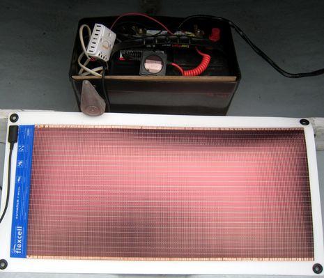Annie_G_solar_system_with_Battery_Bug_cPanbo.JPG