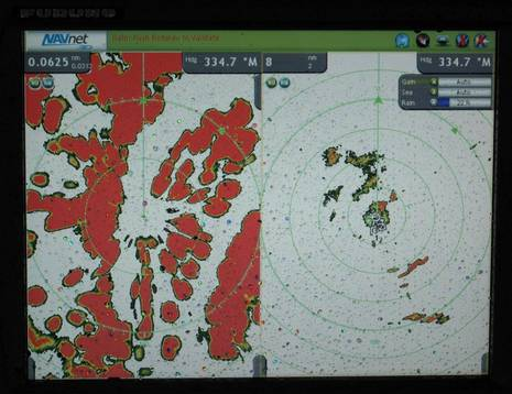 Furuno_DRS2_radar_in_rain_cPanbo.JPG