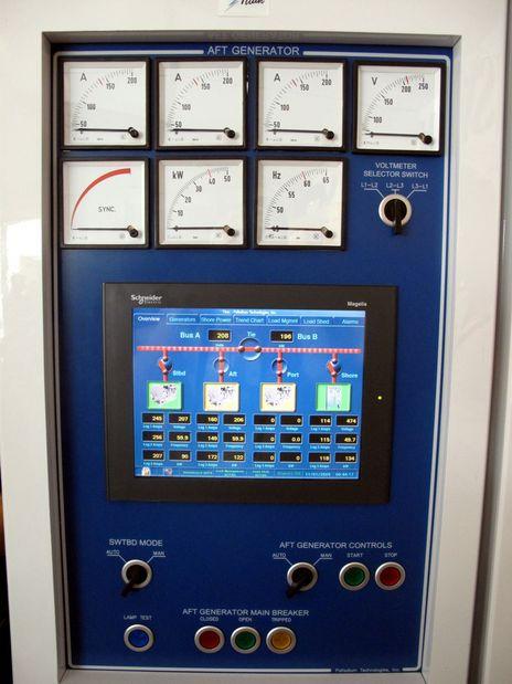 Palladium_Titan_electrical_panel_cPanbo.JPG