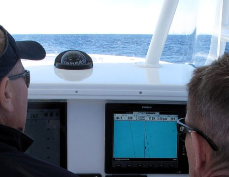 Simrad_BSM2_holding_bottom_demo_MIBS2011.jpg