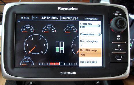 Raymarine_e7_demo_engine_screen_cPanbo.jpg