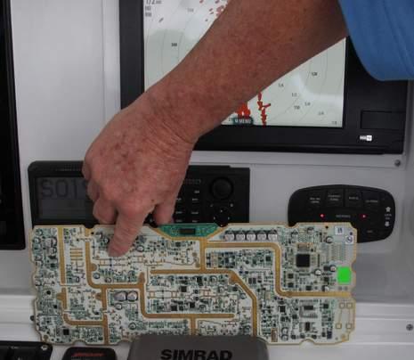 Simrad_4G_radar_launch_circuitboard_FLIBS2011_cPanbo.JPG