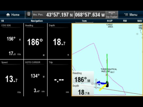 Raymarine_e7_iPad_screen_cPanbo.jpg