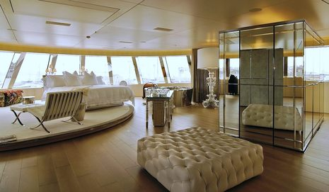 superyacht_A_master_stateroom_by_Anja_Wippich.jpg