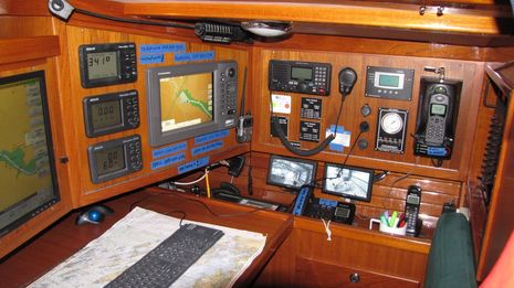 Yankee_Marine_JBoat_install.jpg