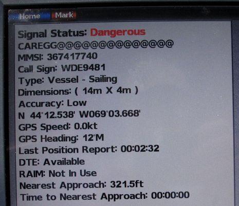 Em-Trak_B100_N2K_AIS_on_Garmin_7212_cPanbo.jpg