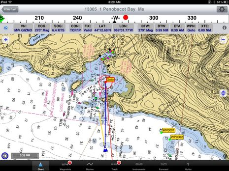 iNavX_with_Raymarine_AIS650_data_cPanbo.jpg