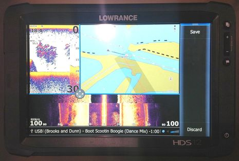 FLIBS2012_Lowrance_HDS_Touch_variable_windows_cPanbo.jpg