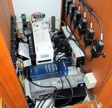 Maine_Cat_P47_Audrey_Louisa_Ethernet_cabinet_cPanbo.jpg