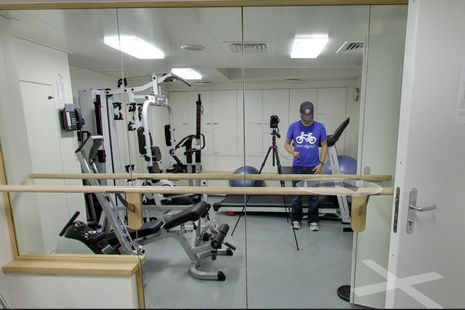 Google_Inside_RV_Falcor_photog_in_gymn_cPanbo.jpg