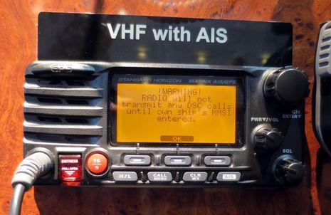 Standard_Horizon_Matrix_AIS-GPS_cPanbo.jpg