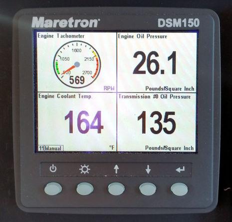 Maretron_DSM150_engine_screen_cPanbo.jpg