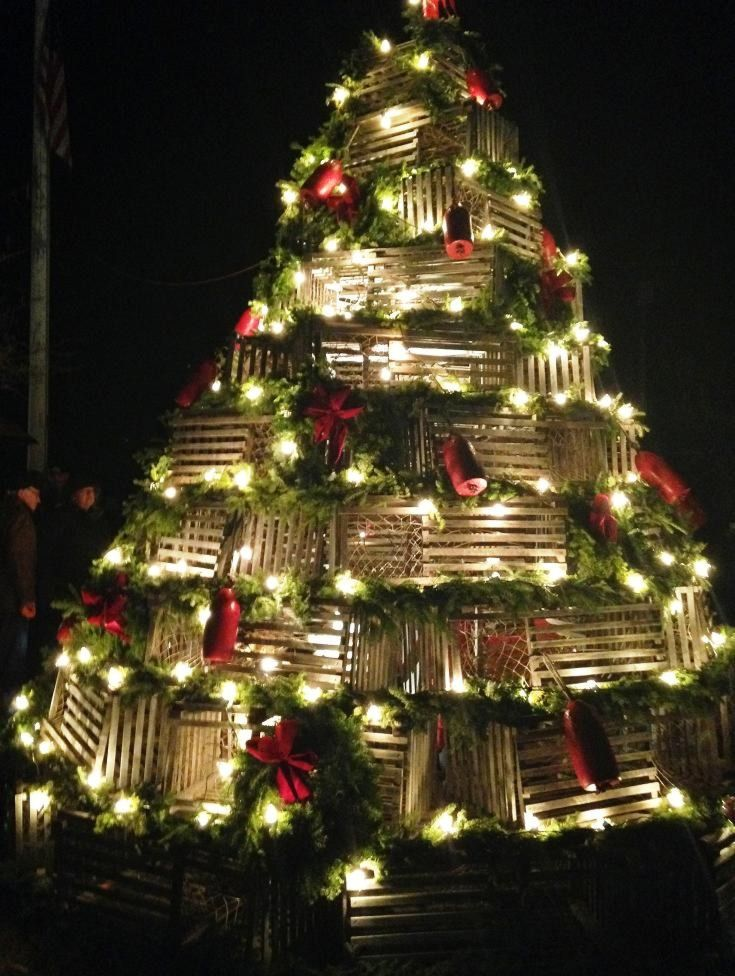 Panbo: The Marine Electronics Hub: Of light, pressure, Jewish DNA, and lobster trap Christmas trees