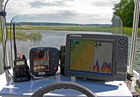 Gizmo_in_Maquoit_Bay_Lowrance_LCX_lr_cPanbo