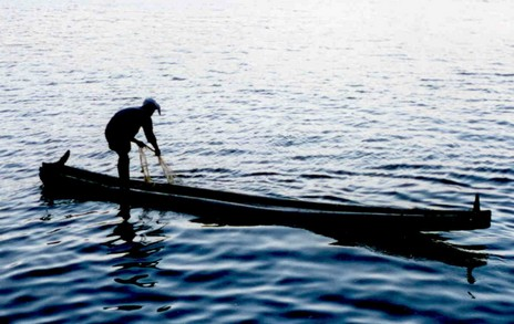 Kerala log boat1
