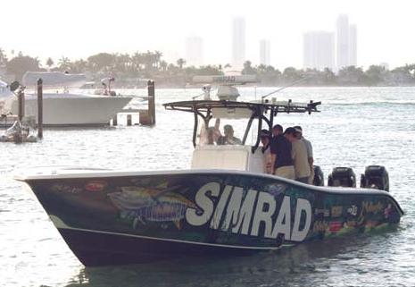 Simrad_demo_boat_Miami08_cPanbo