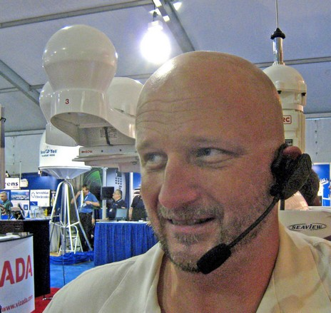 Standard_Horizon_Bluetooth_headset_Scott_Iverson_model_cPanbo