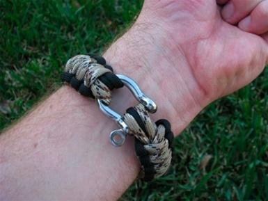 Survivalstraps_bracelet